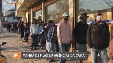 Pagamento de Auxílio Emergencial gera fila em agências da Caixa em Porto Alegre - Assista ao vídeo.