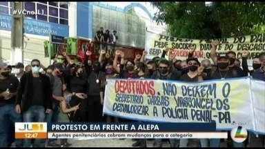 Agentes prisionais protestam em frente a Alepa, em Belém - Agentes prisionais protestam em frente a Alepa, em Belém