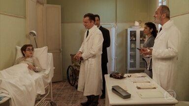 Araújo leva Cláudio para ser operado - Olga pede para acompanhá-los