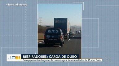 Polícia Civil escolta carga com 56 respiradores para reforçar sistema de saúde de Goiás - Equipamentos chegaram de Luxemburgo.