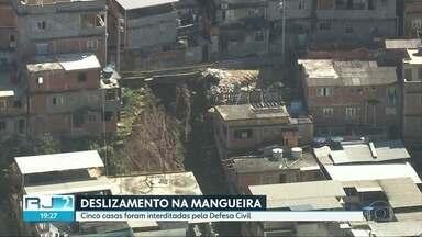 Defesa Civil interdita cinco casas após deslizamento na Mangueira - Algumas famílias não têm para onde ir.