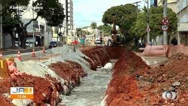 Obra altera o trânsito no Setor Sul, em Goiânia - Flashlink mostrou ao vivo.