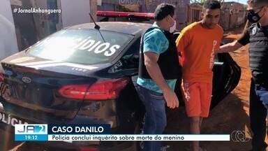 Polícia Civil inocenta padrasto e indicia vizinho da família por morte do menino Danilo - Força-tarefa concluiu que o servente de pedreiro Hian Alves de Oliveira, 18 anos, agiu sozinho na morte de Danilo de Sousa Silva, de 7 anos, que desapareceu após sair de casa para ir visitar a avó, em 21 de julho, em Goiânia.