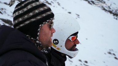Nos Ares Do Ártico - Depois de dar seus primeiros passos voando de paraglider, Chicco encara o seu maior desafio, voar da Montanha da Mina 7, uma das maiores montanhas da Ilha de Svalbard. Junto com os colegas eles enfrentam um tempo instável para fazer o batismo.