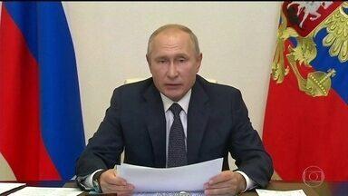 Presidente da Rússia, Vladimir Putin, anuncia o registro da primeira vacina contra a Covid - O presidente russo se mostrou tão otimista com a vacina, que disse que sua filha já foi vacinada. A comunidade científica, no entanto, recebeu a notícia com desconfiança por causa da falta de informações sobre essa pesquisa.