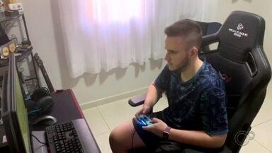Procura por jogos eletrônicos aumenta durante a pandemia de coronavírus - Durante a pandemia de coronavírus, aumentou a procura por jogos eletrônicos. Confira na reportagem.
