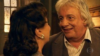 Pancrácio e Anastácia decidem se casar - Viúva se adianta e faz o pedido, mas o professor faz questão de ser ele a pedir a mão da amada
