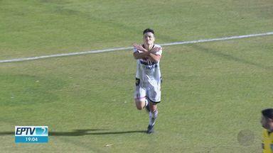 Atacante Ronald é destaque do Botafogo-SP na partida contra Confiança-SE - Jogador fez dois gols.