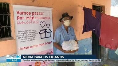 Comunidades ciganas recebem doações de cestas básicas no Sertão da Paraíba - Doações foram feitas por voluntários em Sousa