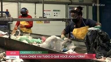 Thelma Assis mostra como está sendo o trabalho dos coletores de recicláveis - Veja como funciona a cooperativa e a separação dos materiais. Catadores passam por dificuldades na pandemia