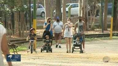 Covid-19: 1º dia de funcionamento de parques e bosques tem movimento tranquilo em Campinas - Parques podem operar com 30% da capacidade e o uso de máscara é obrigatório.