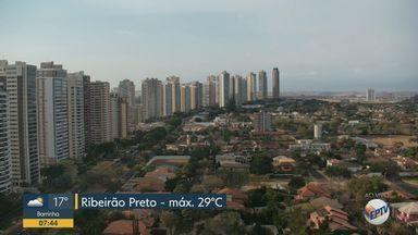 Veja a previsão do tempo para esta segunda-feira (17) em Ribeirão Preto, SP - Dia começou com muito vento. Temperatura máxima na cidade será de 29°C.
