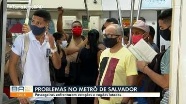 Usuários do sistema metroviário reclamam de lotação nos veículos nas estações - Confira o movimento no metrô nesta segunda-feira (17).