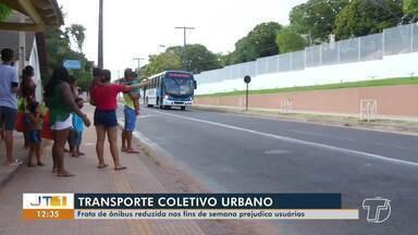 Usuários de transportes coletivos reclamam de demora nos fins de semana, em Santarém - Tempo de espera chega a durar horas.