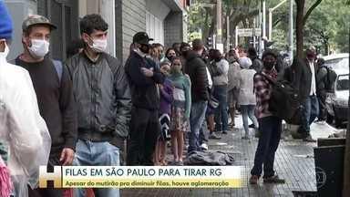 Centenas de pessoas enfrentam filas pra tirar RG em Säo Paulo - O governo antecipou a abertura de postos de atendimentos para diminuir a fila.