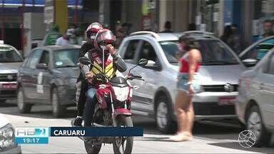 Mototaxistas voltam a trabalhar junto com passageiros nesta segunda-feira (17) - Categoria estava parada por causa da pandemia da Covid-19.