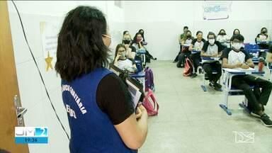 Escolas públicas e privadas retornam com aulas presenciais em Imperatriz - Em algumas escolas particulares, metade dos pais ainda não se sentem seguros para o retorno dos filhos.
