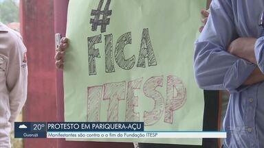 Pariquera-Açu tem protesto contra o fim da Fundação Itesp - Manifestantes são contra o fim da fundação e se reuniram na cidade do Vale do Ribeira.