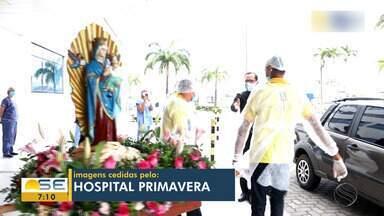 Profissionais de saúde recebem visita de imagem de Nossa Senhora do Perpétuo Socorro - Profissionais de saúde recebem visita de imagem de Nossa Senhora do Perpétuo Socorro.