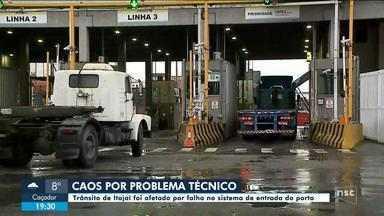 Falha no sistema de entrada do Porto de Itajaí prejudica trânsito na cidade - Falha no sistema de entrada do Porto de Itajaí prejudica trânsito na cidade