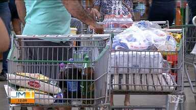 Auxílio está sendo usado mais para compra de alimento, mostra pesquisa - No Maranhão, mais de R$ 6 bilhões já foram pagos aos beneficiários do auxílio emergencial.