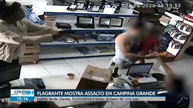 Flagrante mostra assalto em loja de Campina Grande - Ladrão rende clientes, funcionários e rouba dinheiro da loja.