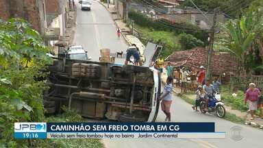 Caminhão sem freio tomba em Campina Grande - Veículo sem freio tombou hoje no bairro Jardim Continental.