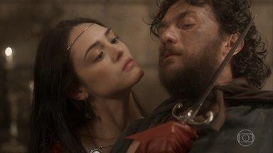 Anna consegue se soltar e ataca Thomas - Ela fica com a vida do ex em suas mãos