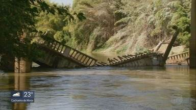 Ponte que faz parte do patrimônio histórico desaba em Três Corações (MG) - Ponte que faz parte do patrimônio histórico desaba em Três Corações (MG)