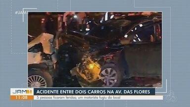 Cinco pessoas ficam feridas após acidente entre dois veículos em Manaus - Um motorista fugiu do local.