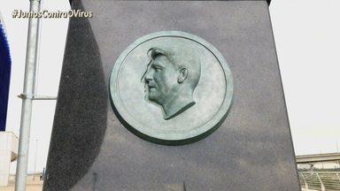 Números de Renato Portaluppi como treinador instiga artista a desenhar nova estátua - Por enquanto, a segunda estátua é só uma ideia no papel.