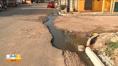 Esgoto sem tratamento é jogado nas ruas de bairro em São Luís - A população do bairro Alexandra Tavares reclama da situação precária na região.