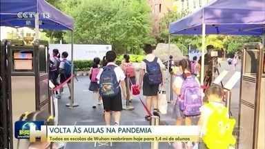 Todas as escolas reabrem em Wuhan, cidade onde começou a pandemia - Governo recomendou uso de máscara para ir e voltar das aulas e sugeriu evitar o transporte público, se possível.