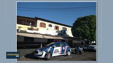 Guarda municipal fecha pela terceira vez bingo em Londrina - Segundo a GM pelo menos 50 frequentadores estavam jogando no bingo que funcionava no jardim Bandeirantes, zona oeste da cidade