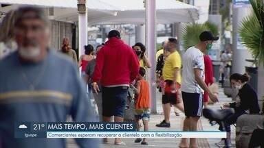 Comerciantes de Praia Grande esperam recuperar clientes com flexibilização de horário - Com a flexibilização e a possibilidade de abrir por 8 horas, comerciantes esperam recuperar clientes.
