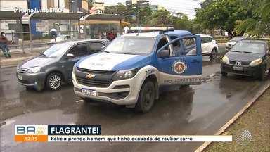 Polícia prende homem que roubou carro usando arma de brinquedo na Avenida Garibaldi - Houve perseguição e na fuga, o bandido se envolveu em um acidente.