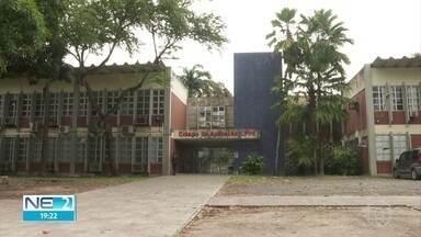Pais de alunos do Colégio de Aplicação da UFPE reclamam de falta de aulas a distância - Segundo eles, desde o começo da pandemia, colégio só disponibilizou aulas remotas para o 3º ano.
