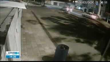 Motociclista bate em carro em cruzamento e morre, na Perimentral Sul de João Pessoa - Semob estuda sinalização mais adequada para o cruzamento