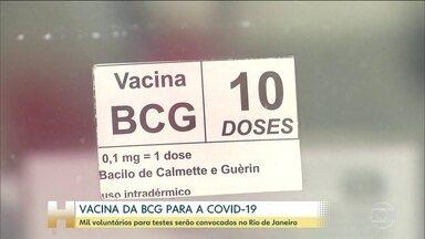 Cientistas investigam se a vacina BCG oferece proteção contra o coronavírus - A partir do mês que vem, mil profissionais de saúde do Rio de Janeiro serão convocados para mais uma missão. Eles serão recrutados para participar de testes, que vão investigar se a vacina que previne a tuberculose, a BCG, tem alguma eficácia contra o coronavírus. Os testes vão ser feitos pela Fiocruz e coordenados pela pneumologista Margareth Dalcomo.