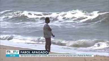 Comerciantes do Farol de São Thomé acumulam prejuízos sem o Festival de Petiscos em Campos - Por causa da pandemia da Covid-19, praia campista teve baixa procura neste feriado.