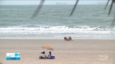 Praias de São Luís continuam poluídas - A repórter Laís Rocha tem mais informações.
