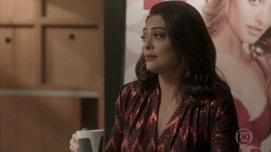 Carolina aceita as exigências de Cassandra para a festa - Pietro conta que seus exames estão ótimos e Carol comenta que vai precisar repetir alguns testes