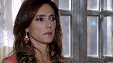 Tereza Cristina descobre que é irmã de Álvaro - A perua se recusa a acreditar que é filha do pai de Álvaro com a irmã de Íris. Íris revela ter mentido para a sobrinha por vingança