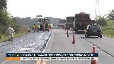 Obras no contorno norte causam bloqueios e lentidão - Serviços vão até o fim do mês entre a Rodovia da Uva e a Rodovia do Café