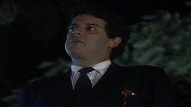 Capítulo de 21/04/1987 - Arrasada, Ana Cláudia é levada por Luiz a um bar e bebe muito. Silvana aconselha João a viajar por um tempo. Herbert descobre que está falido, mas garante que não será preso.