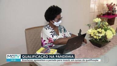 Brasileiros aproveitam tempo em casa para investir em cursos - Os cursos na área da saúde são os mais procurados.