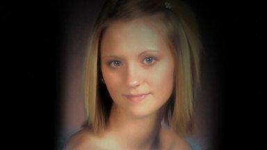 Quem Matou Jessica Chambers? - Quando Jessica Chambers, de 19 anos, é incendiada no carro até a morte, a busca pelo assassino vira uma obsessão no país, enquanto causa estragos em uma cidade do Mississippi.