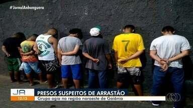 Sete pessoas foram presas suspeitas de fazerem um arrastão em Goiânia - Os suspeitos estavam no mesmo carro.