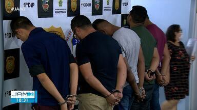 Suspeitos de realizarem arrastões são presos em Manaus - Grupo foi encontrado com diversos celulares
