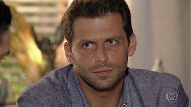 Cassiano avisa que já providenciou o exame de DNA de Samuca - Alberto insinua que Samuca pode ser filho de outro homem e Ester fica ofendida. O empresário diz a Samuca que ele não poderá voar com Cassiano